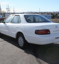 toyota camry 1996 white sedan le gasoline 4 cylinders front wheel drive automatic with overdrive 80229