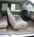 chevrolet c k 1500 series 1998 white pickup truck c1500 silverado gasoline v8 rear wheel drive automatic 67210