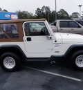 jeep wrangler 1998 white suv sport gasoline 6 cylinders 4 wheel drive automatic 32401