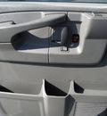 chevrolet express 2004 dk  gray van 2500 gasoline 8 cylinders rear wheel drive automatic 60007