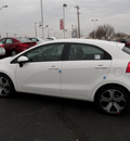 kia rio5 2012 clear white hatchback sx gasoline 4 cylinders front wheel drive automatic 19153