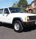 jeep cherokee 1997 white suv se 4x4 alloy wheels gasoline 6 cylinders 4 wheel drive automatic 80012