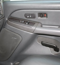 chevrolet silverado 1500 2004 black z71 gasoline 8 cylinders 4 wheel drive automatic 27215