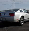 ford mustang 2006 silver coupe v6 deluxe gasoline 6 cylinders rear wheel drive automatic 61832