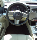 subaru outback 2010 white wagon 2 5i premium gasoline 4 cylinders all whee drive automatic 45324