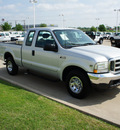 ford f 250 super duty 2002 silver xlt gasoline 8 cylinders rear wheel drive automatic with overdrive 76108