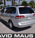 toyota sienna 2002 silver van symphony gasoline 6 cylinders front wheel drive automatic 32771