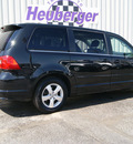 volkswagen routan 2009 black van se gasoline 6 cylinders front wheel drive automatic 80905