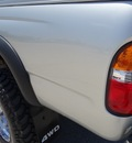 toyota tacoma 2004 silver pickup truck v6 gasoline 6 cylinders 4 wheel drive automatic with overdrive 77388