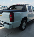 chevrolet avalanche 2011 white suv lt flex fuel 8 cylinders 2 wheel drive 6 speed automatic 76234