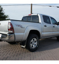 toyota tacoma 2009 silver sr5 trd off road gasoline 6 cylinders 4 wheel drive 6 speed manual 78006