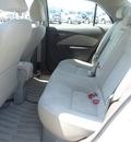 toyota yaris 2009 white sedan gasoline 4 cylinders front wheel drive automatic 77388