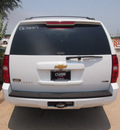 chevrolet suburban 2012 summ white suv lt 1500 flex fuel 8 cylinders 2 wheel drive automatic 76051