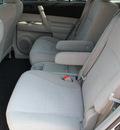 toyota highlander 2012 silver suv 4 cylinders automatic 76116