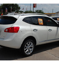 nissan rogue 2012 white sv gasoline 4 cylinders front wheel drive automatic with overdrive 77477
