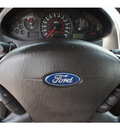 ford focus 2007 white wagon zxw se 4 cylinders automatic 78205