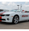 chevrolet camaro convertible 2011 white ss gasoline 8 cylinders rear wheel drive automatic with overdrive 77627