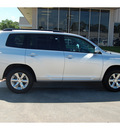 toyota highlander 2010 silver suv gasoline 6 cylinders front wheel drive automatic with overdrive 77706