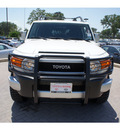 toyota fj cruiser 2010 white suv gasoline 6 cylinders 2 wheel drive automatic 78006