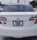 toyota camry 2012 white sedan se gasoline 4 cylinders front wheel drive automatic 76011