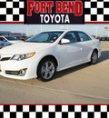 toyota camry 2012 white sedan se gasoline 4 cylinders front wheel drive automatic 77469