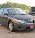toyota camry 2011 gray sedan le gasoline 4 cylinders front wheel drive automatic with overdrive 77074