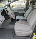 toyota sienna 2011 dk  gray van le 8 passenger gasoline 6 cylinders front wheel drive automatic with overdrive 77074