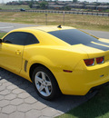 chevrolet camaro 2010 yellow coupe 1lt gasoline 6 cylinders rear wheel drive 6 speed automatic 76108