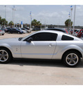 ford mustang 2006 silver coupe v6 premium gasoline 6 cylinders rear wheel drive automatic with overdrive 77065