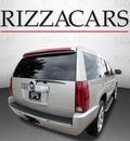 cadillac escalade 2007 silver suv awd gasoline 8 cylinders all whee drive automatic with overdrive 60546