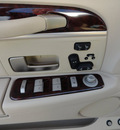lincoln town car 2011 white sedan signature limited 8 cylinders automatic with overdrive 60546
