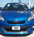 toyota yaris 2012 blue 5 door se gasoline 4 cylinders front wheel drive automatic 76011