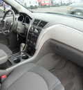 chevrolet traverse 2009 silver suv lt gasoline 6 cylinders all whee drive automatic 79925