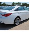 hyundai sonata 2013 white sedan se gasoline 4 cylinders front wheel drive autostick 77065
