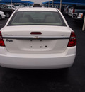 chevrolet malibu 2006 white sedan lt gasoline 4 cylinders front wheel drive automatic 76234