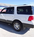 ford expedition 2004 white suv xlt gasoline 8 cylinders 4 wheel drive 4 speed automatic 77388