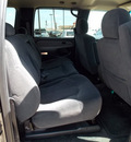 chevrolet suburban 2002 dk  gray suv 2500 ls gasoline 8 cylinders rear wheel drive automatic with overdrive 77074