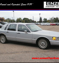 lincoln town car 1993 silver sedan executive gasoline v8 rear wheel drive automatic with overdrive 55318