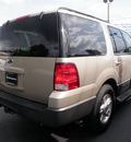 ford expedition 2005 gold suv xlt gasoline 8 cylinders rear wheel drive automatic 32401