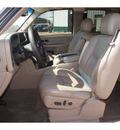 chevrolet silverado 1500 2004 white z71 gasoline 8 cylinders 4 wheel drive automatic 79119