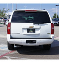 chevrolet suburban 2007 white suv 8 cylinders automatic 79119