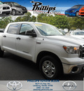toyota tundra 2010 white crew 2wd v8 5 7 g gasoline 8 cylinders 2 wheel drive automatic 34788