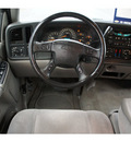 chevrolet suburban 1500 2005 silver suv ls 8 cylinders automatic 33177