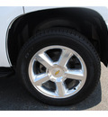 chevrolet tahoe 2010 white suv ltz flex fuel 8 cylinders 2 wheel drive automatic with overdrive 77581