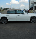 lincoln town car 2008 white sedan signature limited flex fuel 8 cylinders rear wheel drive automatic 75672