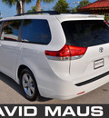 toyota sienna 2012 white van le gasoline 6 cylinders front wheel drive automatic 32771