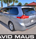 toyota sienna 2012 silver van le gasoline 6 cylinders front wheel drive automatic 32771