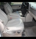 chevrolet suburban 2000 white suv 1500 ls mpi ohv rear wheel drive gasoline 8 cylinders rear wheel drive automatic 77008