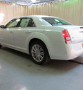 chrysler 300 2013 white sedan 6 cylinders automatic 44883