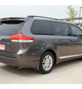 toyota sienna 2013 dk  gray van xle 8 passenger gasoline 6 cylinders front wheel drive automatic 78232